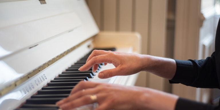 Pianiste de l'hôtel La Villefromoy